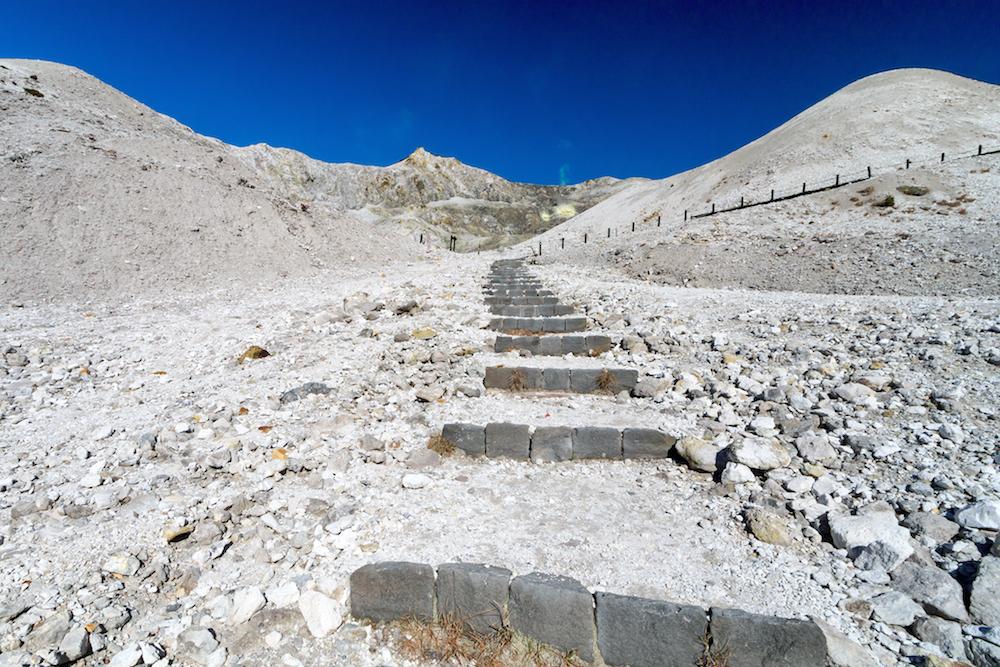 地獄に戻る上り坂は苦難の道で、体力の衰えを痛感した。(佐瀬雅行撮影)