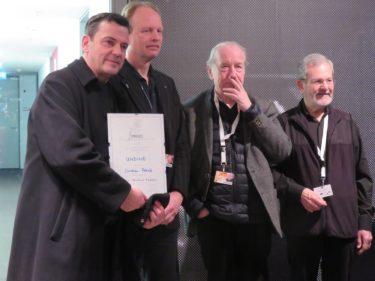 国際映画批評家連盟賞を受賞した『ウンディーネ』のクリスティアン・ペッツォルト監督(左端)と審査員の面々